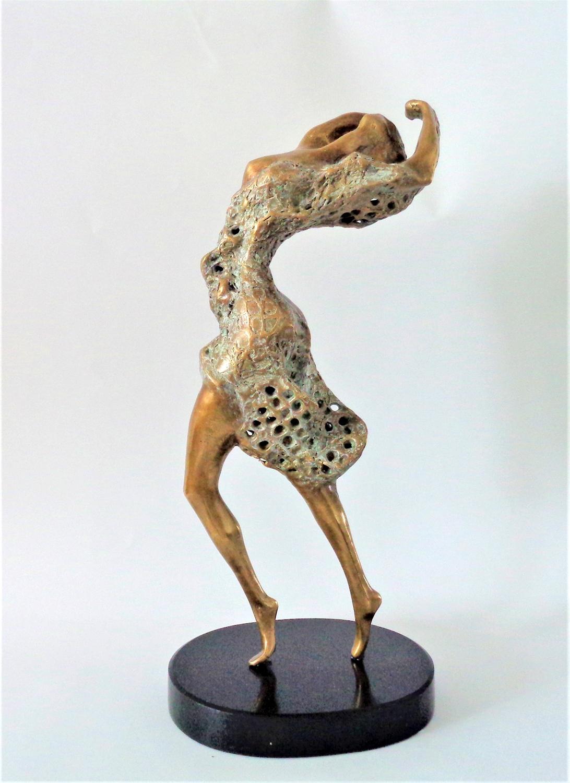 sculpture of dancer