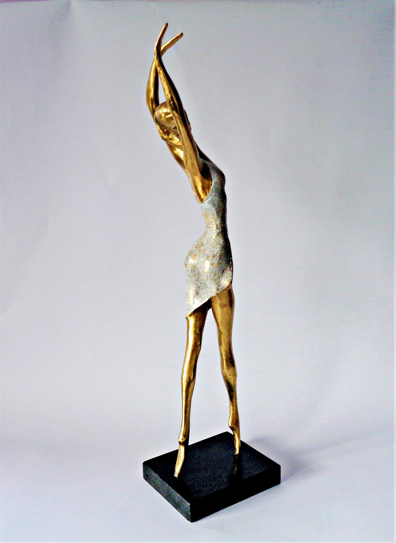 sculpture of a dancer